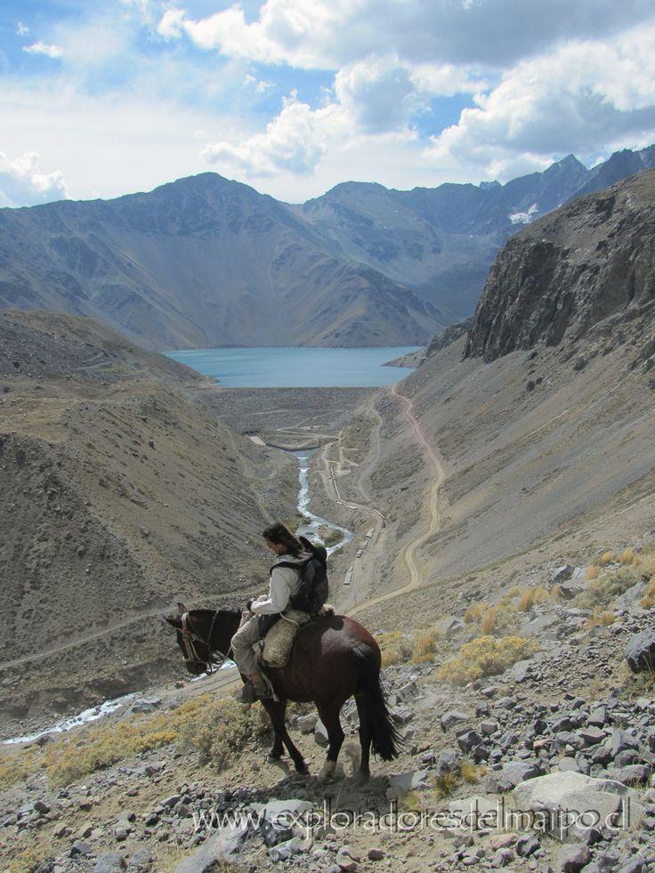 Cabalgata Embalse El Yeso, Cajón del Maipo, Chile. // Horseback ridings The El Yeso reservoir, Cajon del Maipo, Chile.