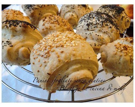 I panini sfogliati senza glutine sono dei paninetti leggeri e croccanti davvero sfiziosi ideali per arricchire il vostro cestino del pane.