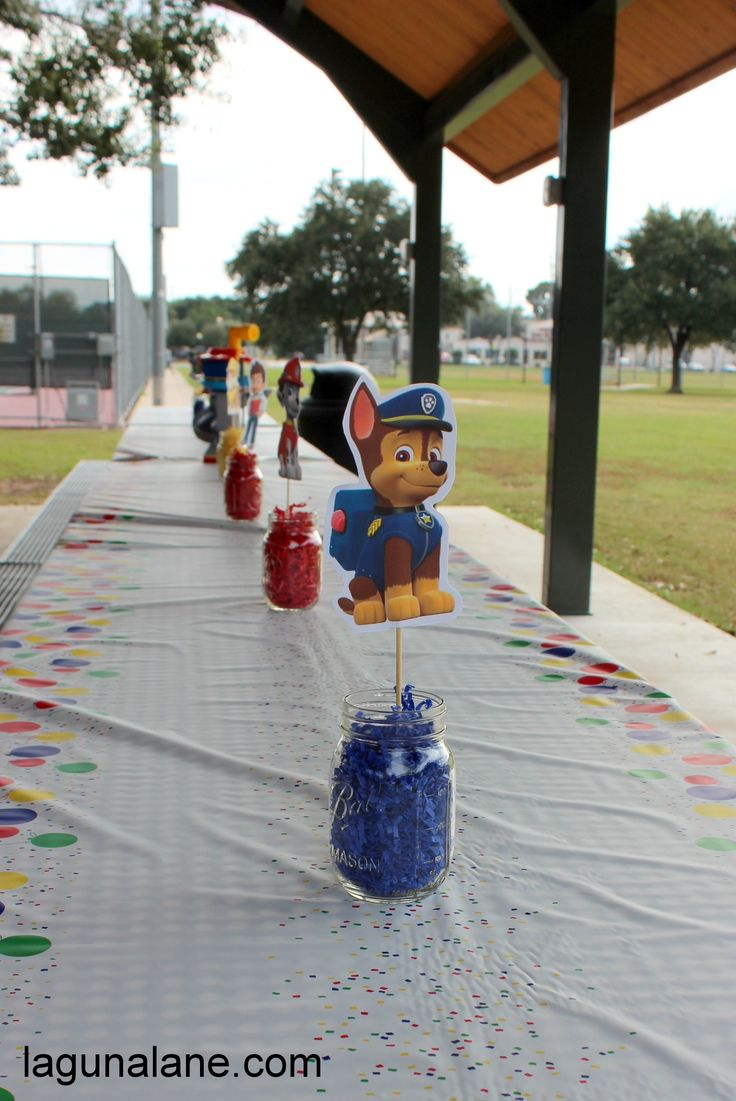 Paw Patrol Party on a Budget - DIY Centerpieces | LagunaLane.com