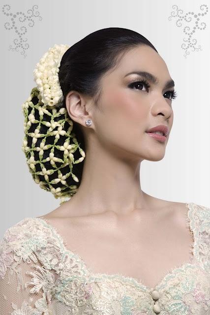 Marlenehariman Traditional Sundanese bride