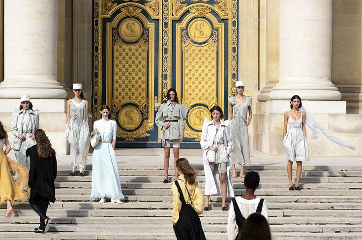 Tras días y días de desfiles toca asimilar todo lo que hemos visto. La Semana de la Moda de París marcará lo que llevemos la próxima primavera-verano 2018 y ...
