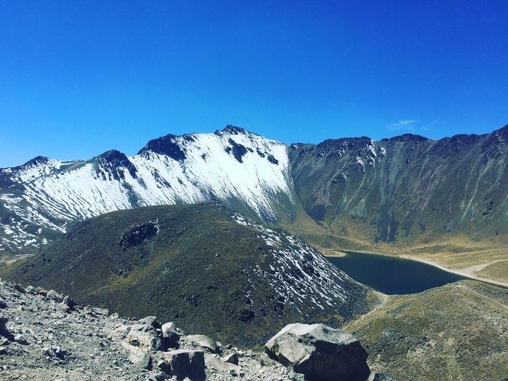 """El Nevado de Toluca o Chicnauhtécatl, aunque aún referido como """"Xinantécatl"""" (Hombre desnudo), es un volcán mexicano ubicado en el Estado de México..."""