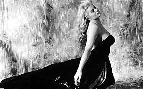 The most sensual film scene...just realize the power of woman...can be the biggest power on the world, can change the world. (Anita Ekberg)