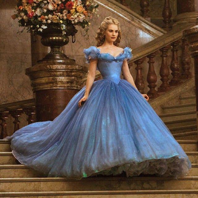 Such a gorgeous, fluffy, magic Cinderella dress ♥ credit to instagram @cream0306