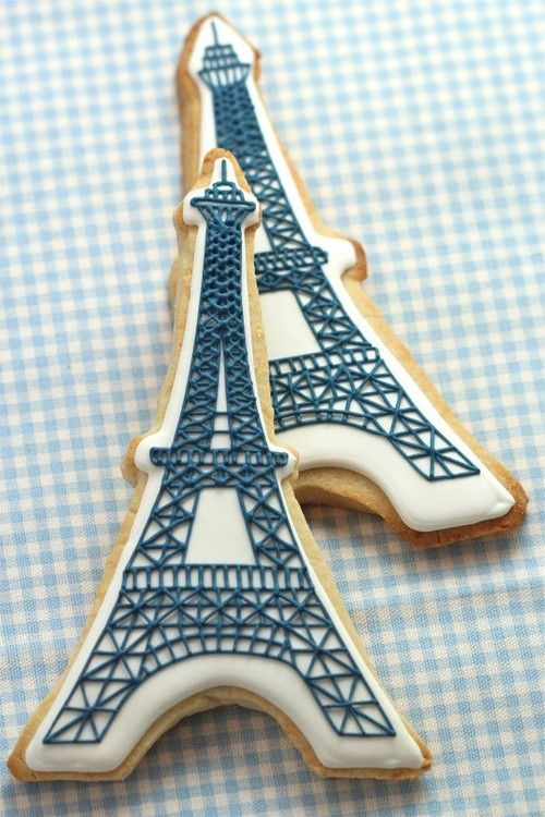 Eiffel-Tower-themed. French-themed shower.
