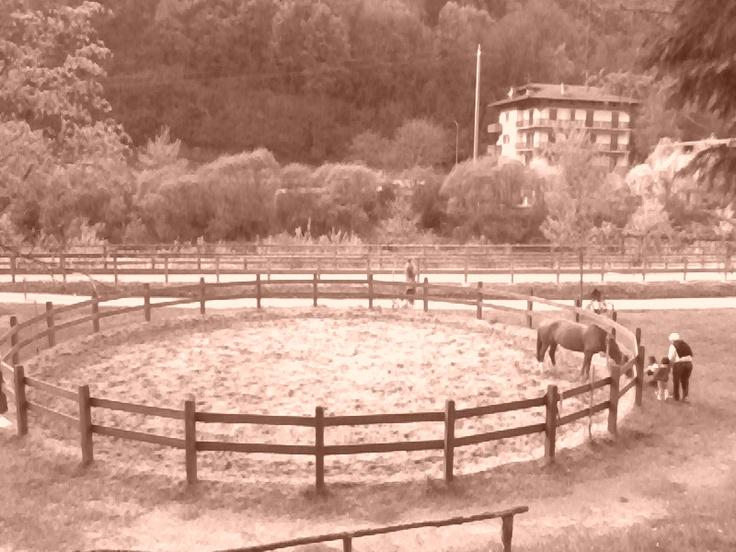 Val Brembana - Rounded fence -- Val Brembana - Recinto rotondo