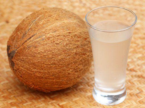 10 sätt kokosvatten kan förbättra hälsan - Steg för Hälsa