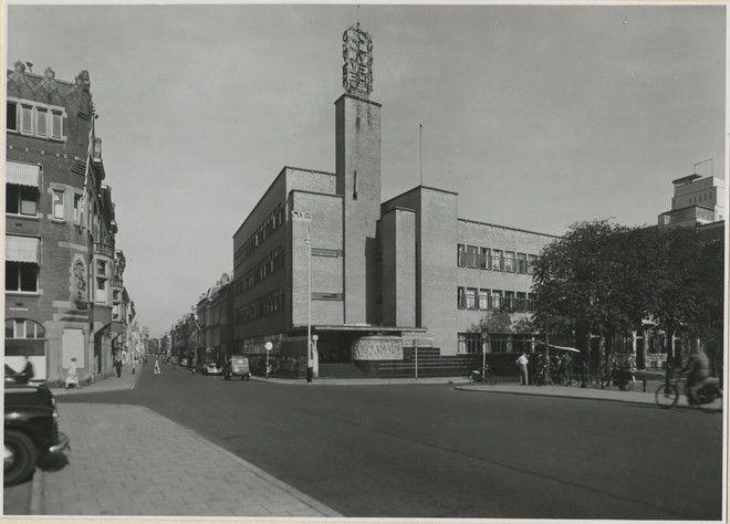 Den Haag. Het OLVEH-gebouw van architect Jan Wils op de hoek van de Kortenaerkade en Anna Paulownastraat . Gebouwd in 1932 en in 1969 gesloopt.