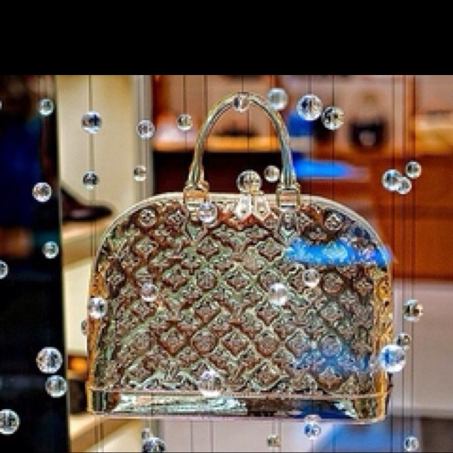 17 best images about miroir on pinterest louis vuitton for Louis vuitton miroir replica