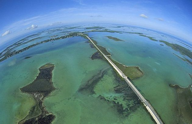 Florida Keys Overseas Highway is 127 miles of highway over water. Imagine driving in a convertible with the top down... yes please! (Photo: Florida Keys News Bureau/Andy Newman) #keywest #roadtrip