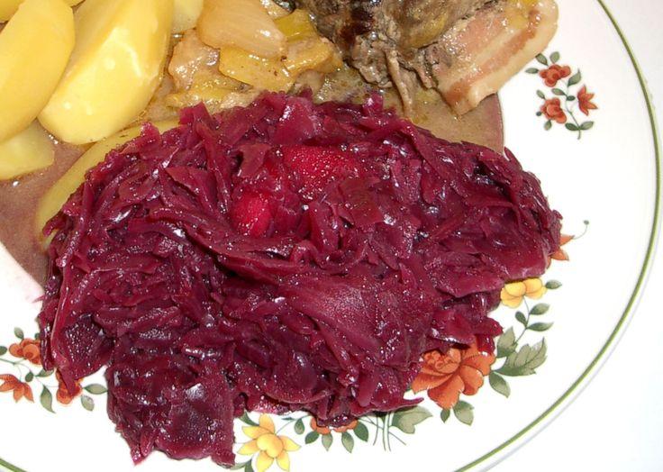 Rezept für Rotkohl aus dem Glas bei Essen und Trinken. Ein Rezept für 3 Personen. Und weitere Rezepte in den Kategorien Gemüse, Beilage, Schmoren, Deutsch (regional), Einfach, Klassiker, Preiswert.