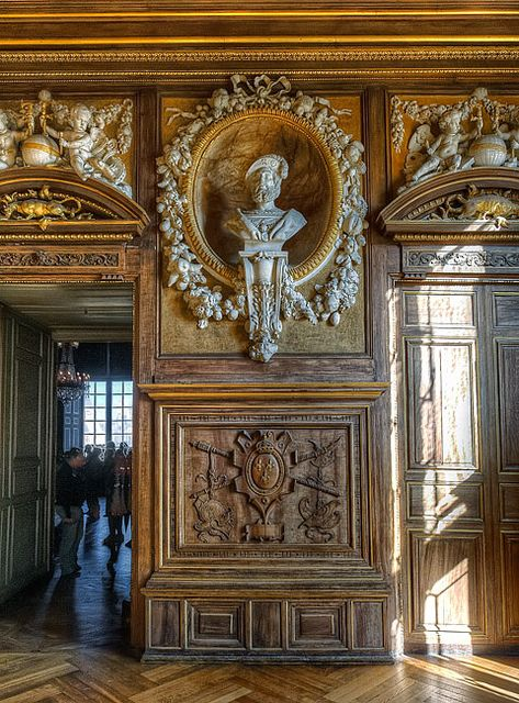 49 best fontainebleau images on pinterest castles castle interiors and paris france. Black Bedroom Furniture Sets. Home Design Ideas