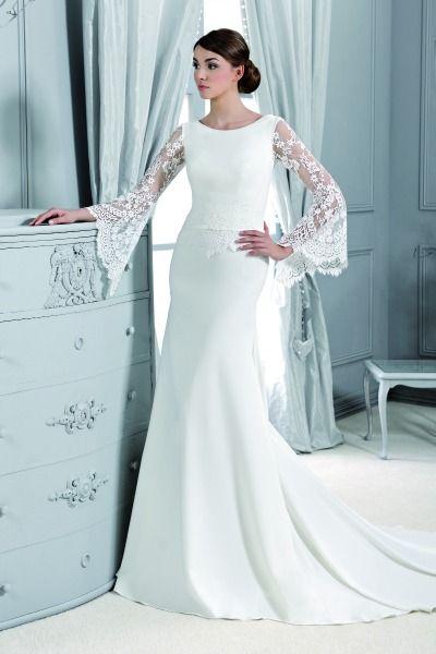 Volop te zien in de nieuwe bruidsmodecollecties voor 2015: jurken met transparante mouwtjes. Het geeft je trouwjurk een lieflijke en stijlvolle touch en is ideaal wanneer je in de frissere maanden trouwt. Bekijk de mooiste ontwerpen van kant en tule.