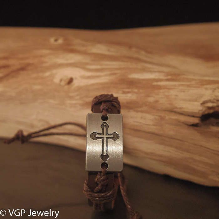Robuuste Kruis Armband: leren armband bruin