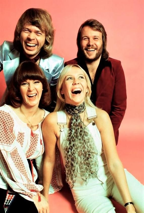 Abba. The Swedish pop group looking very happy. 5x7 gloss photo ...