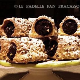 Mini cannoli con crema al cacao. Condivisa da: http://lepadellefanfracasso.blogspot.it