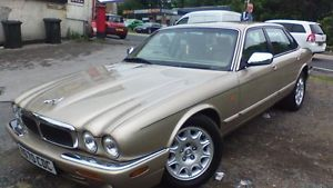 """1998 JAGUAR XJ8 AUTO BEIGE immaculate car                         Seller information cat_rog (0 ) Item condition:Used """"May have age related signs of wear and tear"""" Time left: Time left:28m 33s (23 Jul, 2015 14:48:29 BST) Current bid:£1,200.00 [ 24 bids ]   Submit bid  Enter £1,220.00 or more"""
