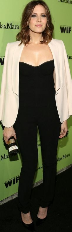 Who made Mandy Moore's black top, black pants, and cream jacket that she wore in Beverly Hills?