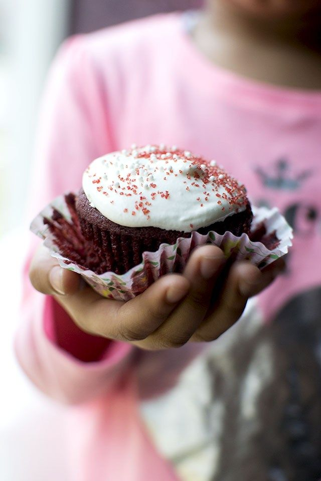 Red Velvet Cupcakes with Marshmallow fluff Frosting (DF) US Measures