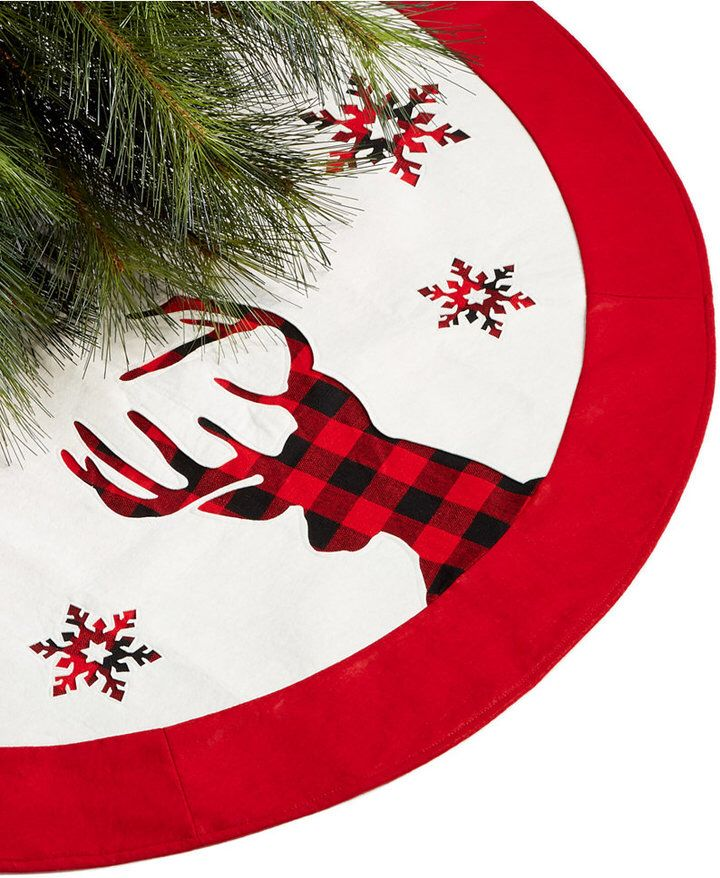 Cute❤️Buffalo check plaid deer tree skirt, it has little plaid snowflakes on it too. This is perfect for a rustic themed Christmas tree...❤️Aff
