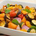 Servidas frías con vinagreta o calientes directamente asadas en la parrilla, estas verduras son un plato delicioso y ligero.