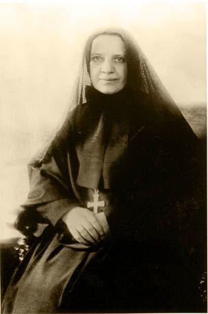 .@novenaapp - St. Frances Xavier Cabrini 1850-1917
