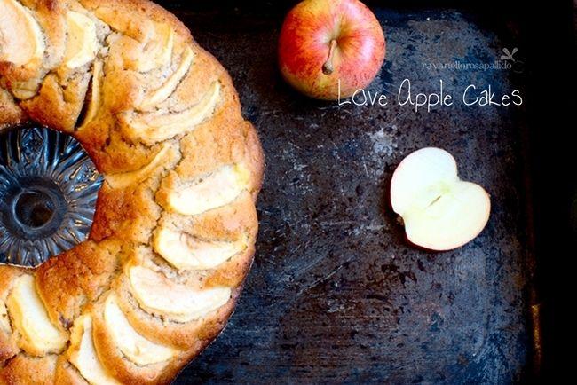 Come eliminare lo zucchero dai dolci? Avete provato la stevia? Ecco la ricetta per preparare una ciambella alle mele con stevia, senza zucchero aggiunto!