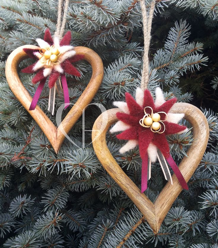 Pair of wooden hearts with star in ivory end red maroon felt gold and red maroon satin ribbon cm 14 x 16