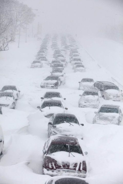 Chicago Snow Storm 2011 ~ stranded on Lake Shore Drive