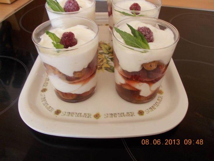 Frambozen-cantuccini Trifle In Een Glaasje recept | Smulweb.nl