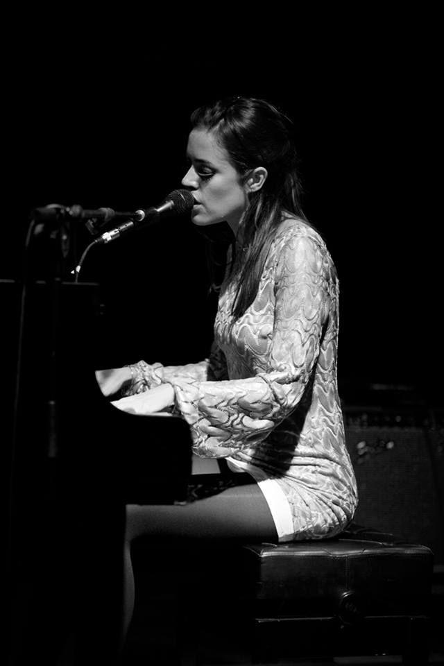 Maika - Playing acoustic nov 2013