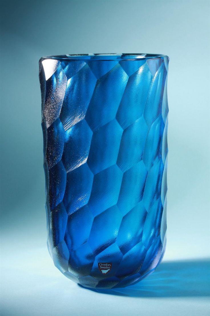 Jan Johansson; Glass Vase for Orrefors, 1975.