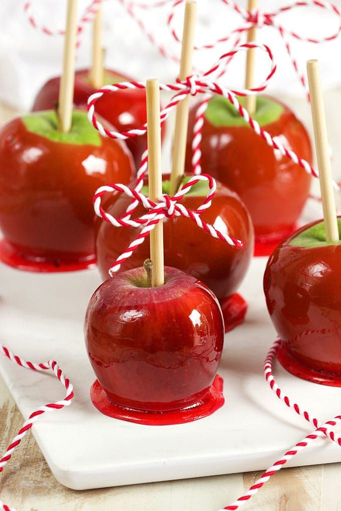 Super easy to make Candy Apple Recipe, perfect for your fall parties and totally kid friendly! | TheSuburbanSoapbox.com