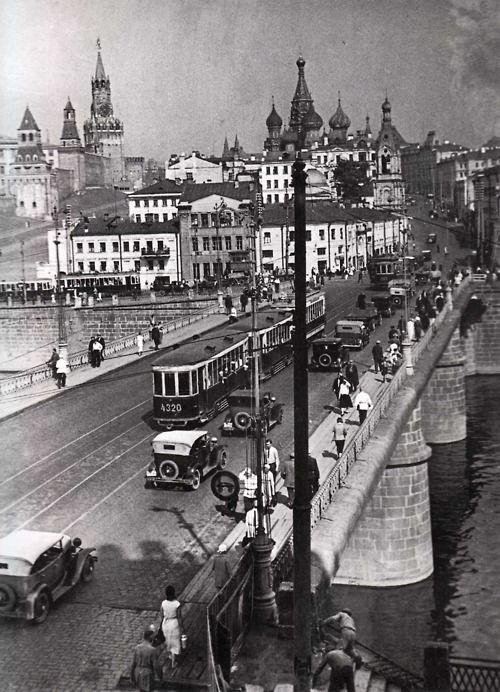 zolotoivek:  Moscow, photographed sometime in the 1920's.