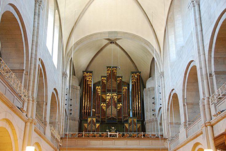 Zürich - Grossmünster Organ Loft & Pipes  Zwingliplatz Switzerland