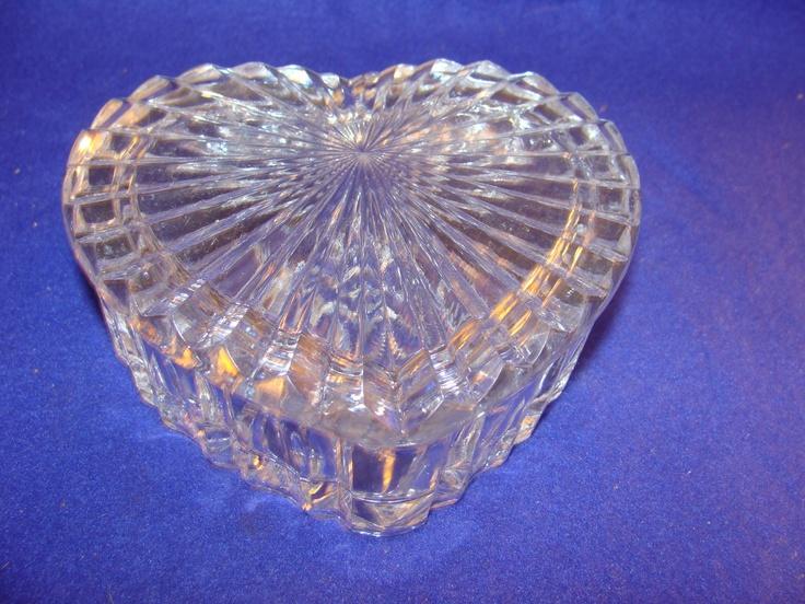 Vintage lead crystal heart shaped lidded box dish jewelry for Heart shaped jewelry dish
