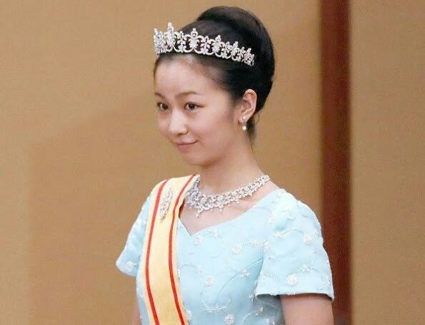 Today is December 29 and Japanese Princess Kako celebrates her 22nd birthday! Japan's Princess Kako (born 29 December 1994) is the second daughter of Prince Akishino and Princess Kiko, and a member of the Japanese Imperial Family. Happy birthday to you Princess Kako