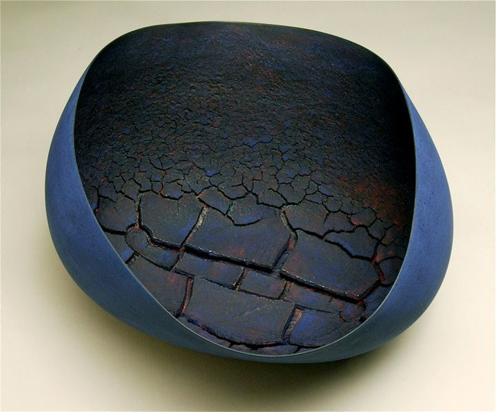 "Steven Heinemann: Residuum (2012) // Céramique, cuissons multiples, 16 x 30 x 29cm / Ceramic, multiple firings, 6"" x 12"" x 11"""