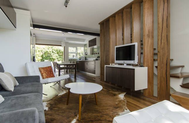 Red Hill Townhouse, a Canberra Townhouse   Stayz $240p/n