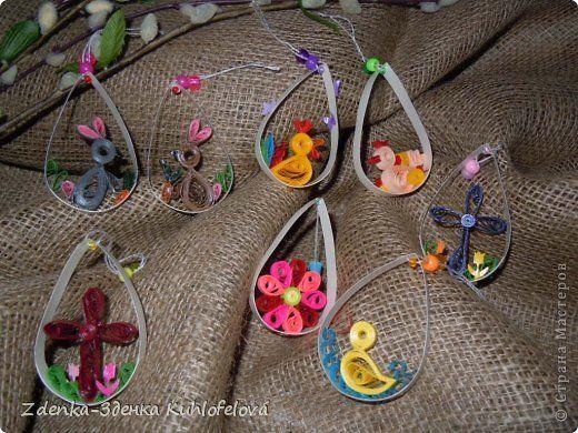 Это мои пасхальные украшения в этом году – кролики, цветочные корзины, висячие украшения и  кружевные цыплята и кролики.   фото 3