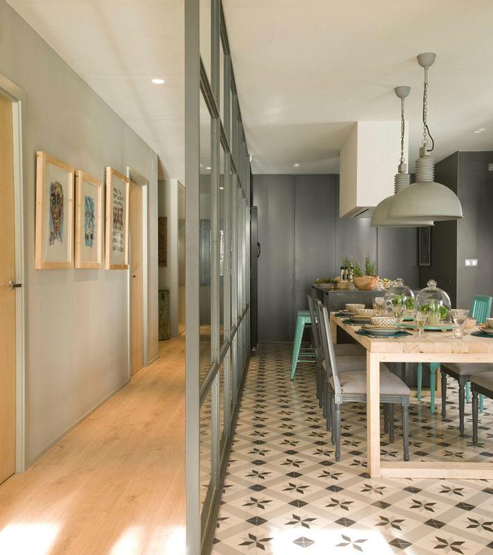 Une Verriere Au Coeur De La Maison Sonia Saelens Deco Separation Cuisine Salon Cuisine Verriere Et Maison