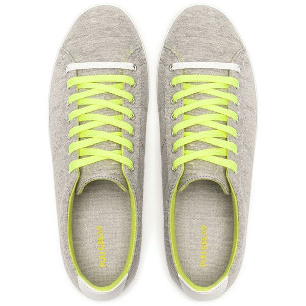 Pull & Bear Plimsolls With Colour Laces (230 ARS) ❤ liked on Polyvore featuring shoes, sneakers, canvas trainers, plimsoll sneaker, plimsoll shoes, pull&bear shoes and canvas sneakers