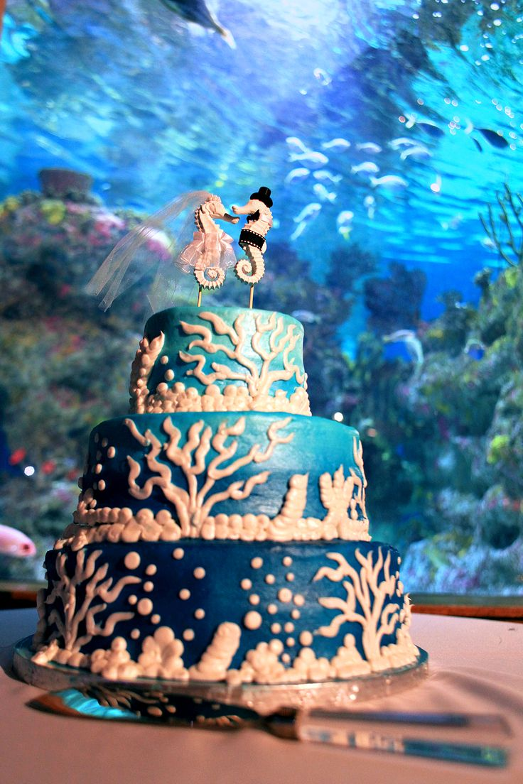 Unique cake perfect for an Aquarium wedding. Did you know that seahorses mate for life?