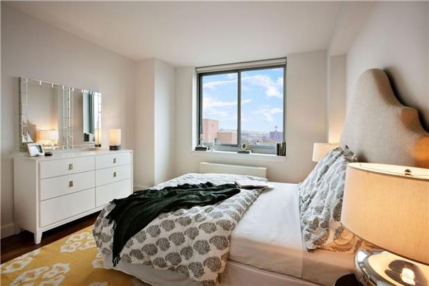 Fabulous 2 bed 2 Bath | Rental | Downtown | Brooklyn    Listing Details  Type: Rental	 Rent: $4,100  Listing ID: 961711	 Size: Two Bedroom  4 rooms / 2 beds / 2 baths	 Service Level: Full Service