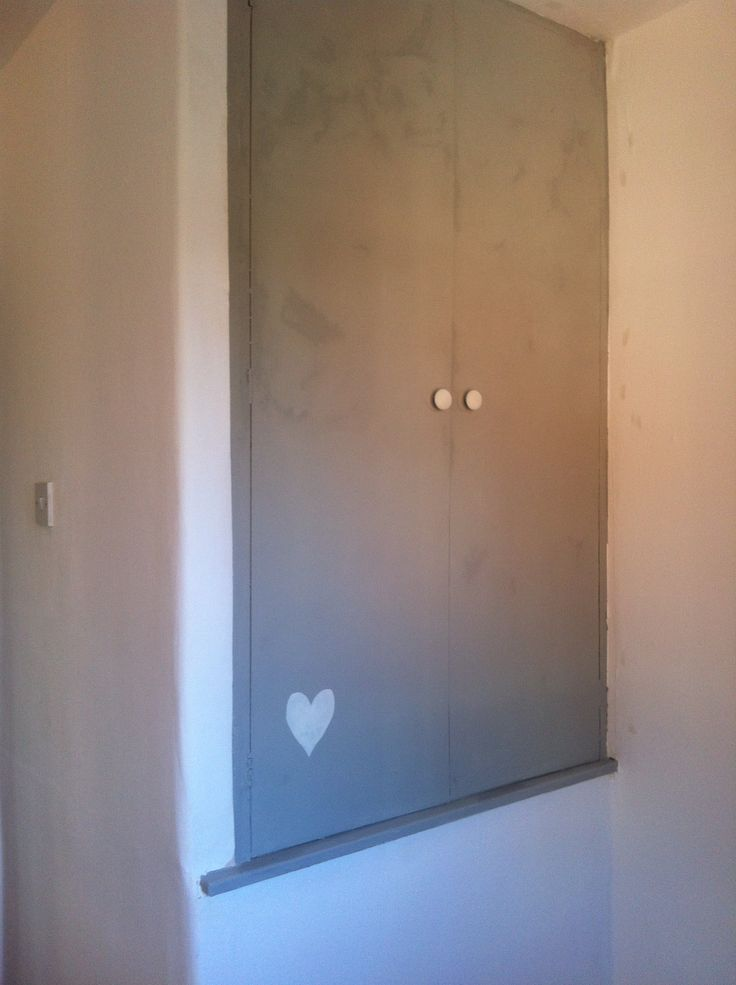 Cupboard doors, revamped with Annie Sloan. They were painted in a cream high gloss and looked tacky and old. They still need to dry and be waxed but looking better already