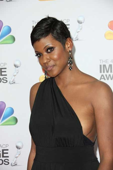 Cassandra Freeman...giving life with this cut!