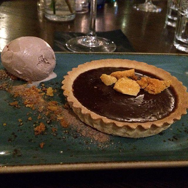 Salted caramel tart, liquorice ice cream, honeycomb @themonro #TheMonro #NYETastingMenu #Liverpool #NYE #SaltedCaramelTart #LiquoriceIceCream #honecomb