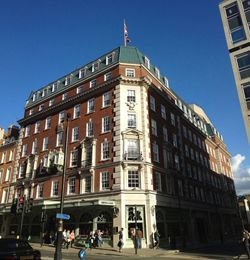 Now a Piccadilly institution, Fortnum and Mason's origins go back to the early 17th century when Hugh Mason rented out a spare room to William Fortnum, a Footman in the household of Queen Anne