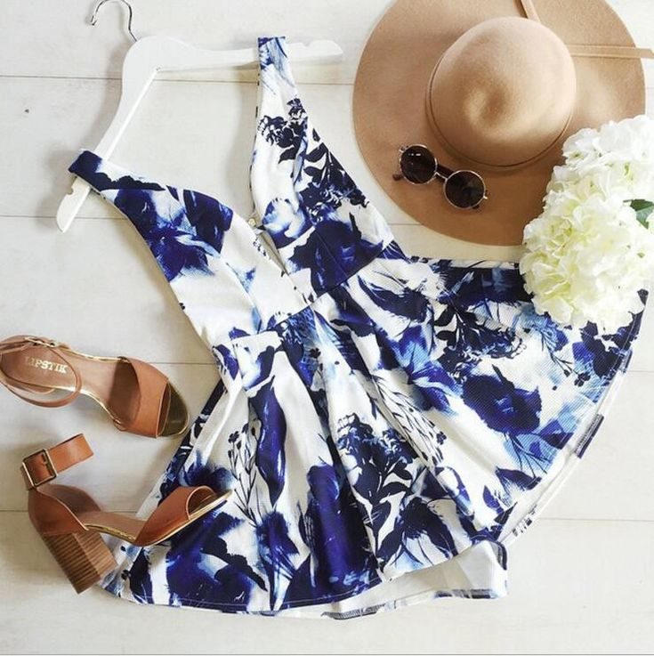 """Dresses Length: Above Knee Neckline: V-neck Sleeve Length: Sleeveless Pattern: Print Material: Polyester Color: Photo Color Size: XS (US size) Bust: 31-33"""", Waist: 23-25"""", Hips: 33-35"""" S (US size) Bus"""