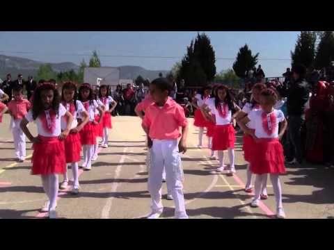 I just converted Penguen Dansı - Vay Halime at Mp3 ve Video indir (Youtube Facebook Dailymotion Vk Soundcloud Vimeo Metacafe)!